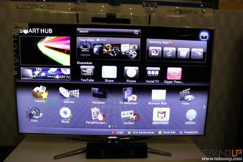 Untuk Mencari Film Favorit Anda Dapat Memasukan Kata Kunci Pada Samsung Smart TV Input Teks Menggunakan Remote